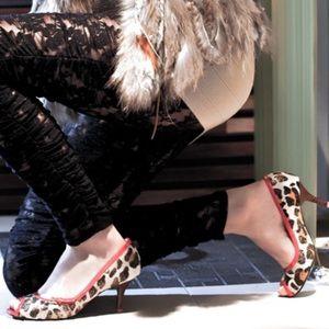 "Vanessa Avellar ""The Leopard's Collar"" heels"